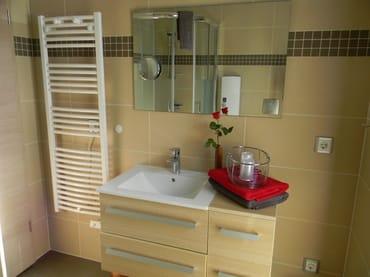 Das  moderne Bad (Erstausstattung Handtücher inklusive)