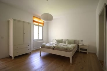 Schlafzimmer 1 mit Doppelbett 1,80 m breit