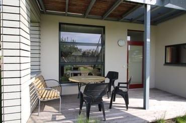 Terrasse mit Sitzmöglichkeit