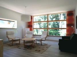 Wohnzimmer - Blick zum Küstenwald