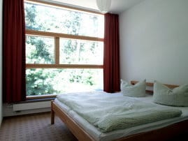 Schlafzimmer 1 - Doppelbett 1,80 m breit
