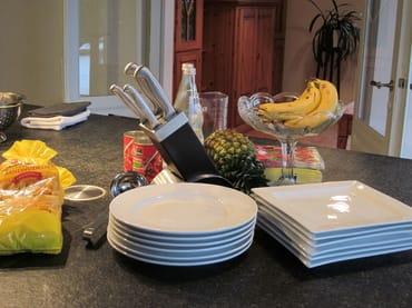 Geschirr, Besteck und Kochutensilien - alles vom Feinsten!