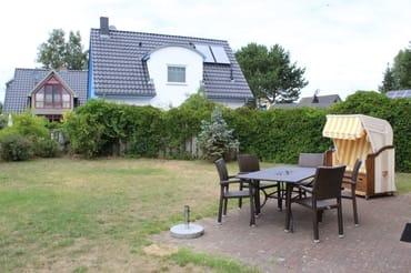 Grundstück von der Terrasse aus