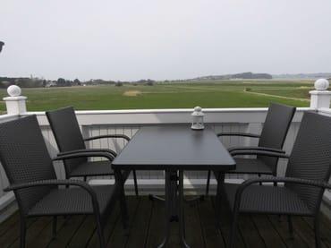 möblierter Balkon mit Blick auf Greifswalder Bodden und Zicker See