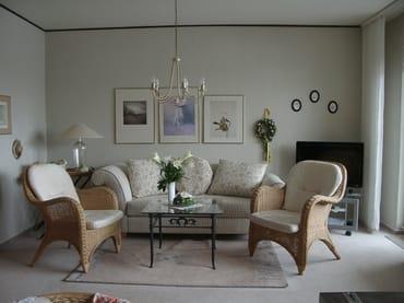 Wohnzimmer Sitzgruppe/LCD-TV
