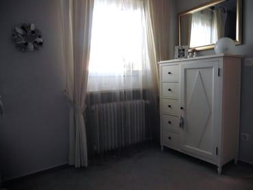 Separates Zimmer Kommode