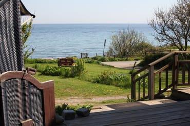 Blick von der Terrasse auf die Ostsee