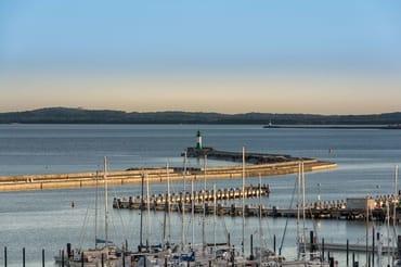 Stadthafen mit längster Außenmole Europas