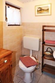 Bad mit WC im Erdgeschoss