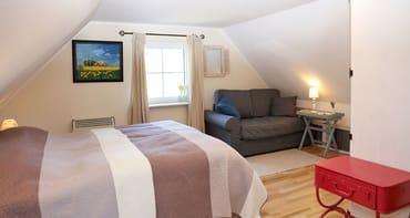 Das Doppelbett (160x200) hat eine tolle gemütliche Matratze:)