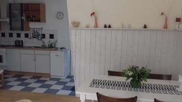 Blick vom Eßbereich in die Küche