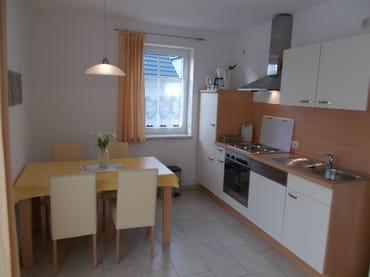 Blick in den Küchen & Essbereich