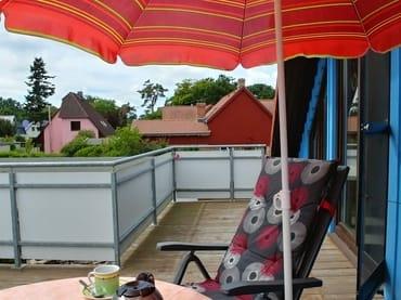 Auf dem großen Balkon ist auch den ganzen Tag Sonne.