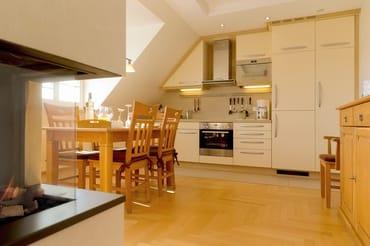Technisch lässt das Wohnzimmer mit 40 Zoll-LED-TV, iPad ...