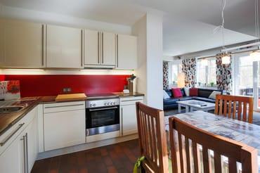 Küche mit Blick Wohnzimmer