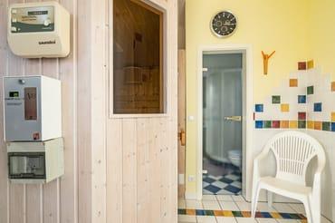 Sauna mit Kleinen Ruhebereich
