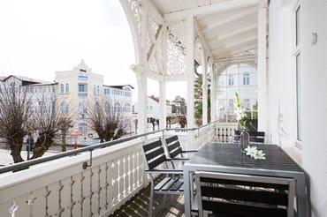 Es erwartet Sie eine geschmackvolle Ferienwohnung mit Balkon in bester Ortslage.