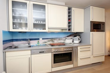 offene Küchenzeile im Wohnzimmer