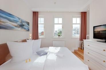 Das Appartement verfügt über zwei gleichwertige Schlafzimmer ...