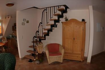 Treppenaufgang zum zweiten Schlafzimmer ud zur Gallerie
