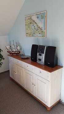Wohnzimmer (Radio mit CD-Player)