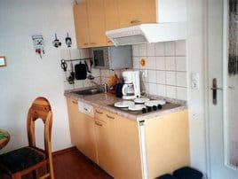 Küchenzeile im Aufenthaltsbereich