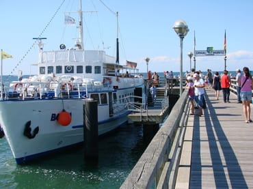 im Sommer sonntags mit dem Boot nach Rostock/Warnemünde