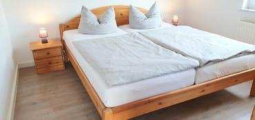 Süsse Träume - Schlafzimmer im Obergeschoss... mit grossem Kleiderschrank, da muss nichts im Koffer bleiben.....