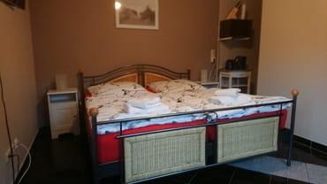 Doppelbett Fewo. Ostseerauschen