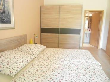 1 Schlafzimmer mit Dusche/WC