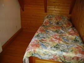 Schlafnische mit Rollbett für 2 Personen