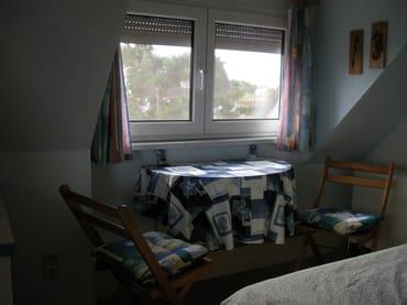 Sitzgelegenheit im Schlafzimmer (1. OG)