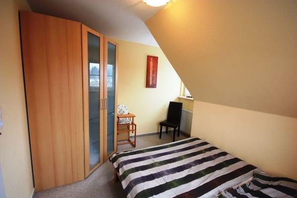 Schlafzimmer 2 Bett 140*200