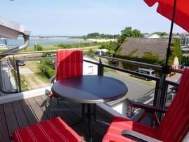 Blick vom Balkon aufs Meer und Kap Arkona