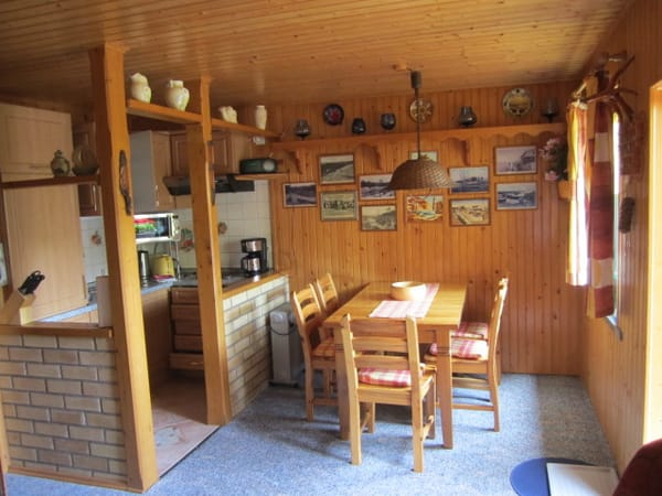 Kochnische mit Essecke