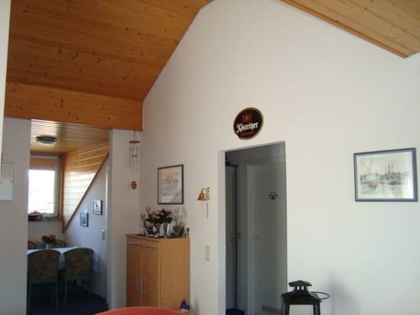 sehr geräumiger Wohnbereich mit Übergang zum Esszimmer