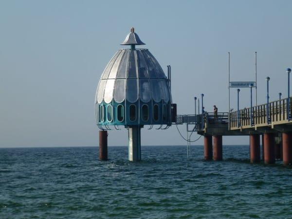 Tauchgondel mit Seebrücke