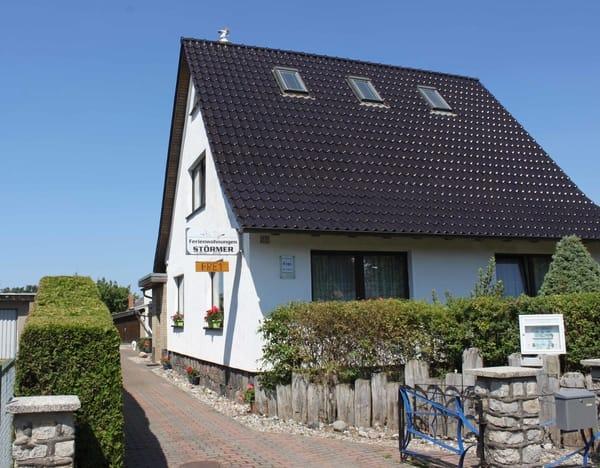 Im hinteren Teil des Hauses befindet sich die Ferienwohnung mit Terrasse