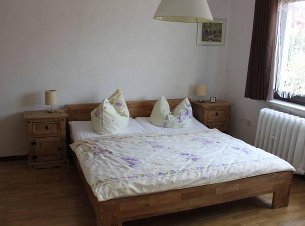 Schlafzimmer, Doppelbett und Einzelbett (Auf dem Foto nicht erkennbar) 2-3 Personen