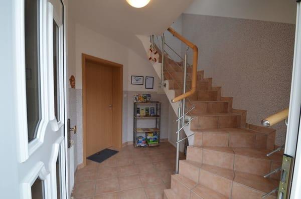 Hausflur Wohnung 1 Etreppe