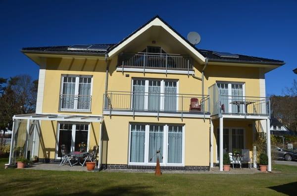 Hausansicht von hinten rechts 1 Etage Balkon Wohnung Nr 4