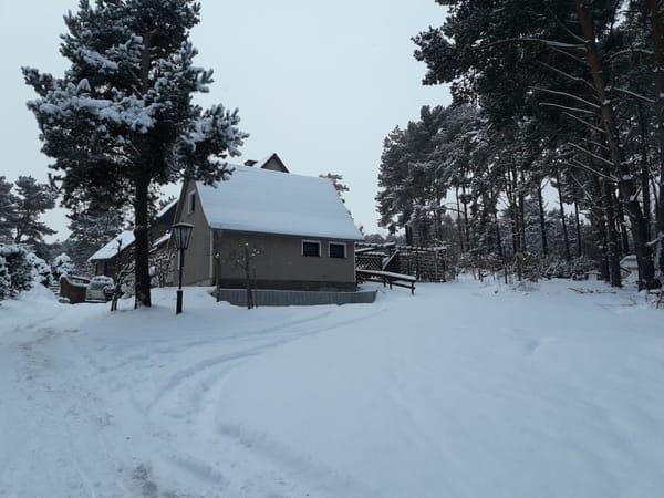 Ferienhäuschen im Winter
