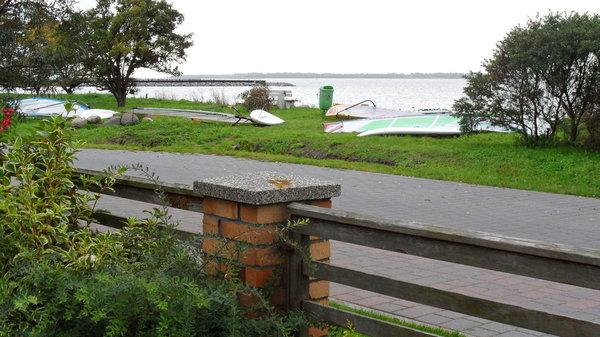 Blick von Haus aufs Wasser
