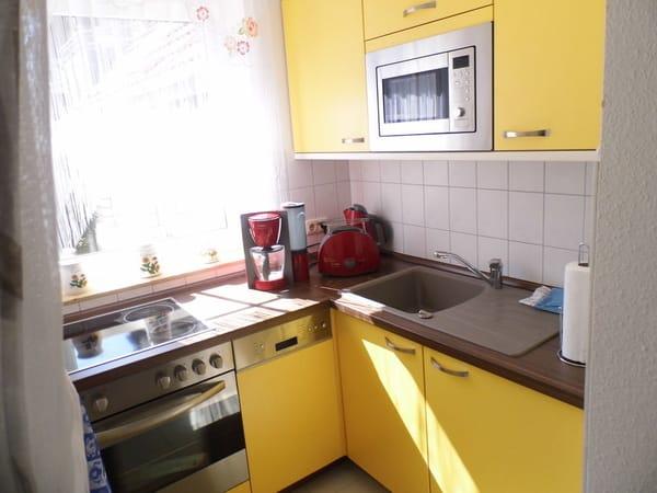 separate neu eingerichtete Küche