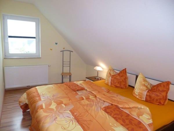 der zweite Schalfraum mit Doppelbett