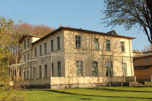Villa Kaiserhof - Straßenansicht