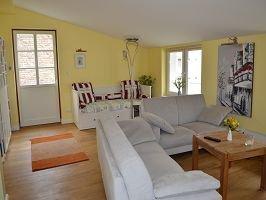 Wohnzimmer mit Aufbettungsmöglichkeit für max. 2 Kinder, Zugang zur Dachterrasse