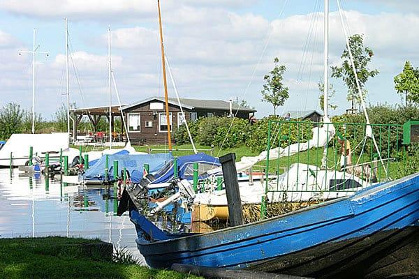Am Hafen Achterwasser Loddin