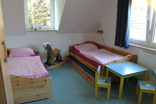 (Kinder-)Schlafzimmer 3 - mit 2-3 Einzelbetten