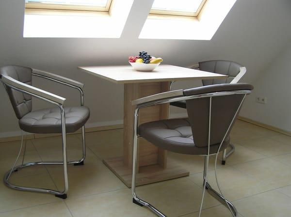 Essbereich in der Küche für 3 Personen im Obergeschoss